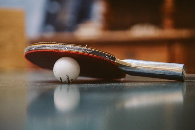 Tischtennis alleine spielen: 7 Tipps wie man alleine Tischtennis übt